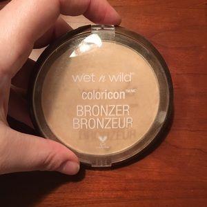 Other - Wet N Wild bronzer